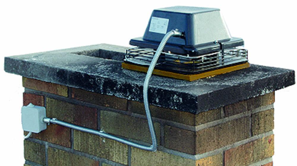 Выход вентиляции каминный с электромотором (создает тягу при розжиге) Vilpe TI-17